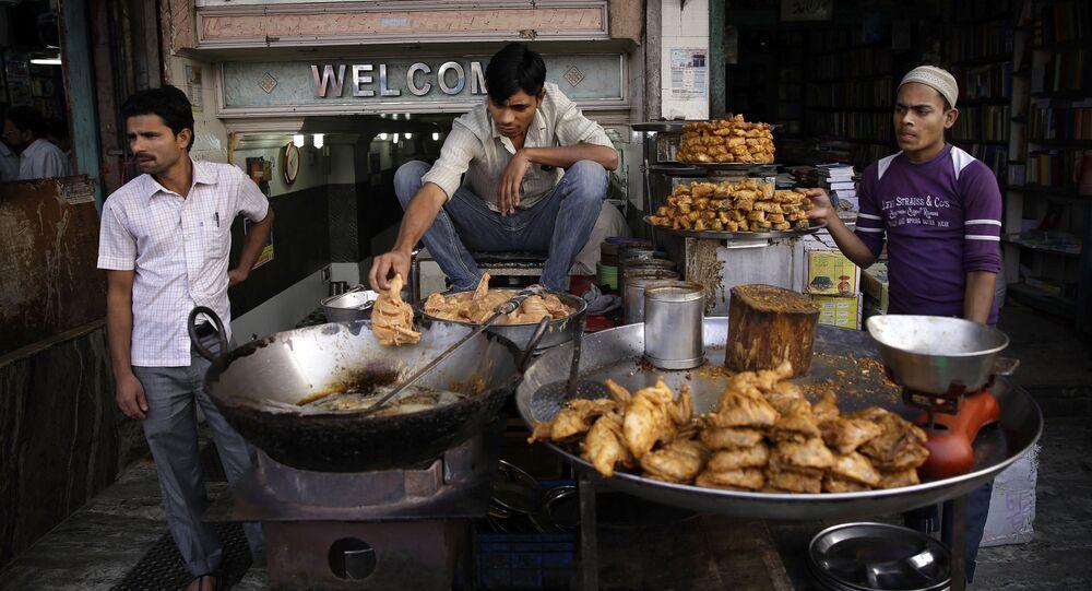 Street food na ulicach New Delhi, Indie
