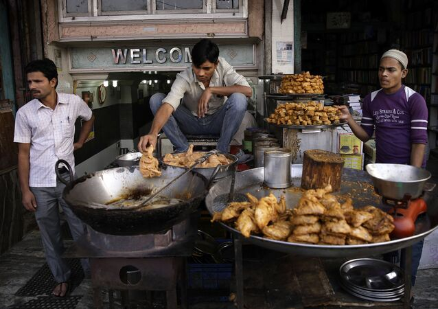 Street food na ulicach New Delhi, Indie