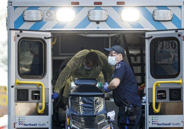 Dezynfekcja ambulansu, Nowy Jork
