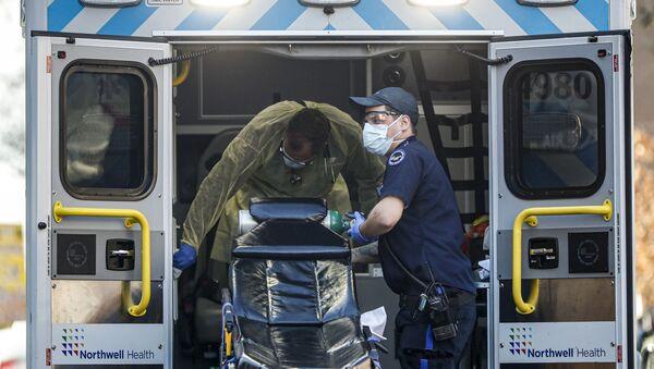 Dezynfekcja ambulansu, Nowy Jork  - Sputnik Polska