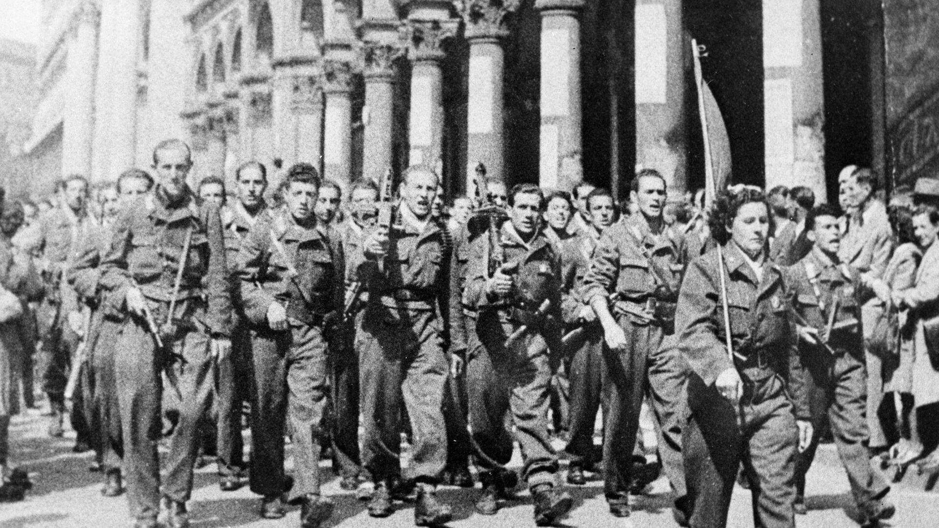Partyzanci z włoskiego ruchu oporu. II wojna światowa. Mediolan. - Sputnik Polska, 1920, 15.08.2021