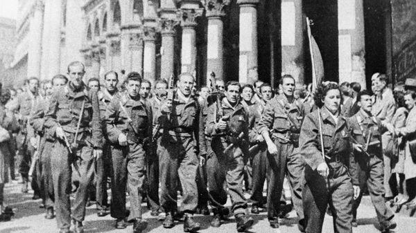 Partyzanci z włoskiego ruchu oporu. II wojna światowa. Mediolan. - Sputnik Polska