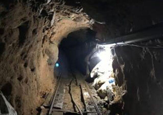 600-metrowy tunel przemytników prowadzący od granicy USA z Meksykiem do miasta San Diego