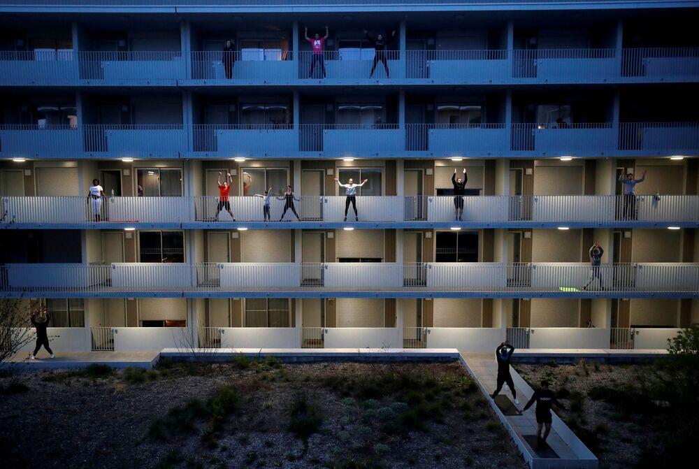Trening na balkonie we Francji