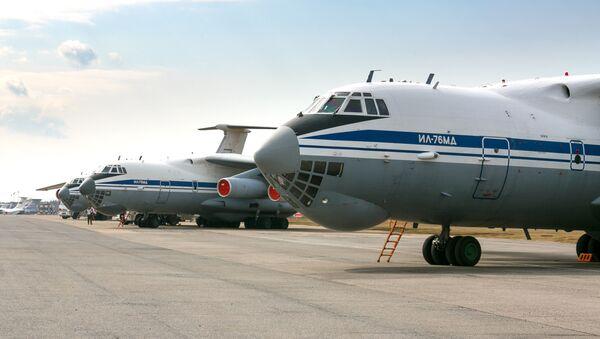 Samolot Ił-76 lotnictwa wojskowo-transportowego Sił Powietrzno-Kosmicznych - Sputnik Polska