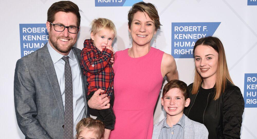 Maeve Kennedy Townsend Mckean z mężem i dziećmi