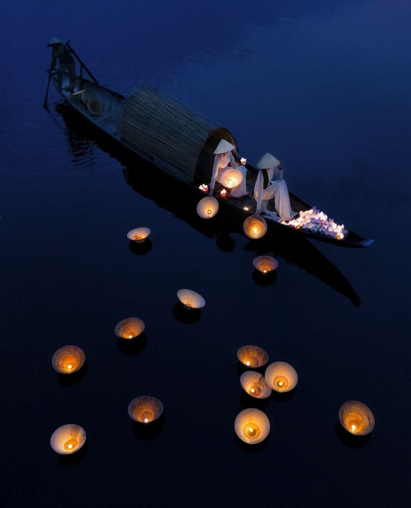 """Underwater prayers"", Wietnam"