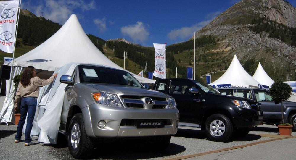 Toyota Hilux na wystawie w Val d'Isère, Francja