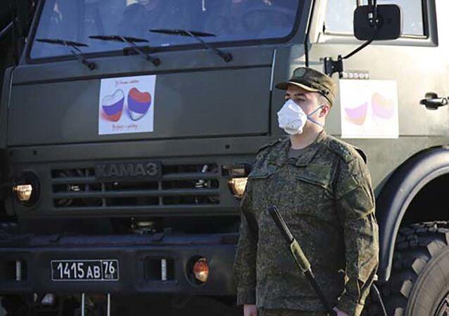 Rosyjscy wojskowi w Serbii