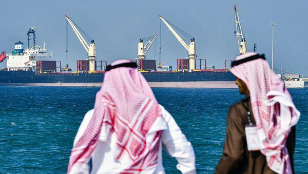 Tankowiec w porcie Ras Al Khair w Arabii Saudyjskiej - Sputnik Polska