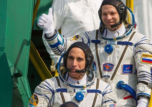 Członkowie załogi MSK-63