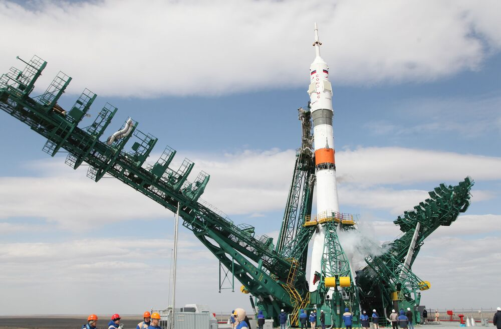 Start rakiety Sojuz-2.1a z kosmodromu Bajkonur