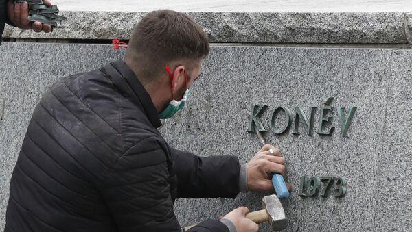Demontaż pomnika Iwana Koniewa w Pradze - Sputnik Polska