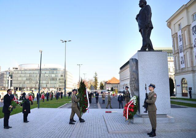 Jarosław Kaczyński podczas obchodów 10. rocznicy katastrofy pod Smoleńskiem