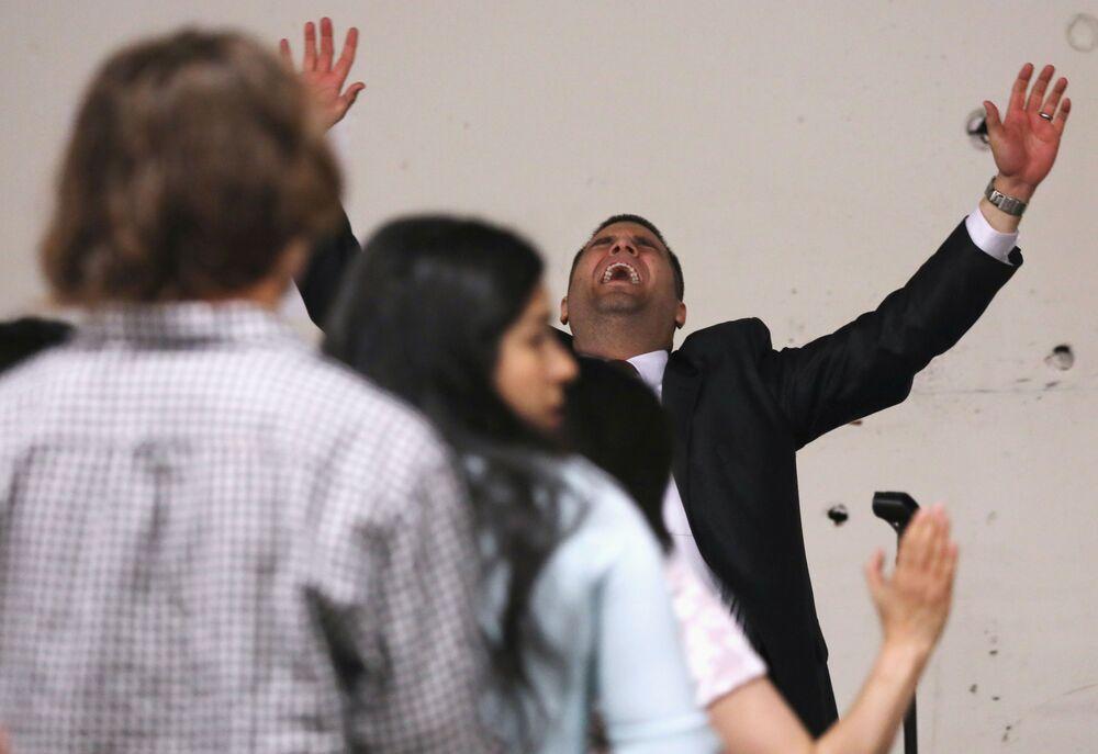 Pastor podczas mszy wielkanocnej w USA