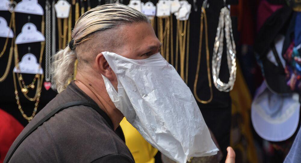 Uliczny sprzedawca w Sao Paulo, Brazylia