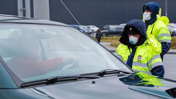 Funkcjonariusze policji na wjeździe do Kaliningradu - Sputnik Polska