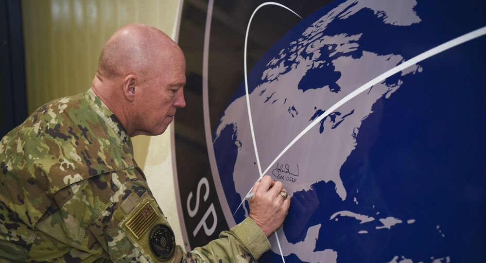 Generał amerykańskich sił kosmicznych John Raymond