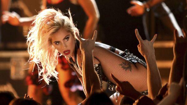 Lady Gaga na rozdaniu nagród Grammy Awards w Los Angeles w 2017 roku  - Sputnik Polska