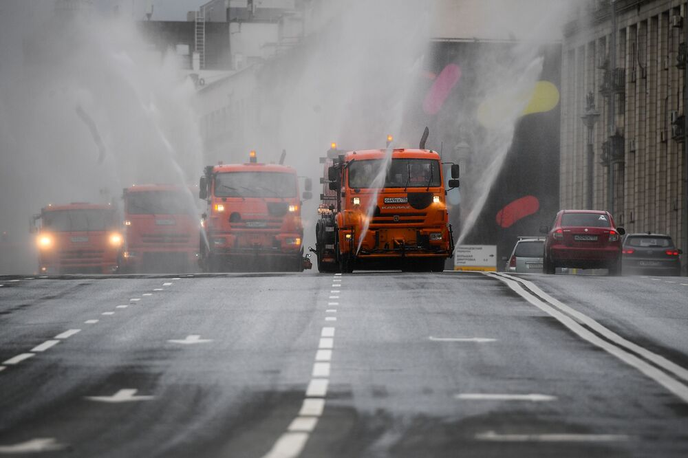 Dezynfekcja ulic w Moskwie
