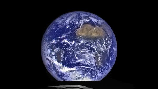 Widok Ziemi z orbity Księżyca - Sputnik Polska
