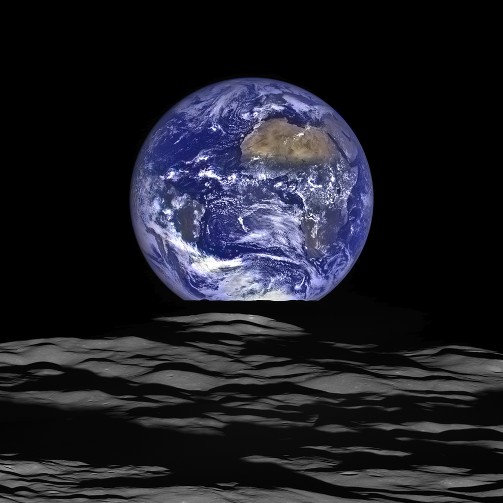 Widok Ziemi z orbity Księżyca