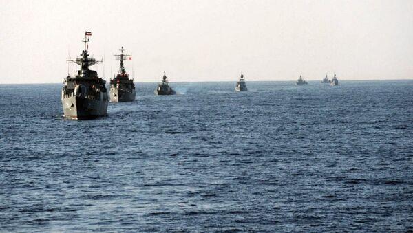 Manewry irańskiej marynarki wojennej Velayat-90. - Sputnik Polska