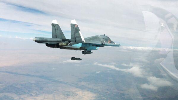 Rosyjskie lotnictwo przeprowadza ataki w Syrii przeciwko ISIS - Sputnik Polska