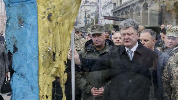 Prezydent Ukrainy Pietro Poroszenko na targach ukraińskiej techniki wojskowej w Kijowie - Sputnik Polska