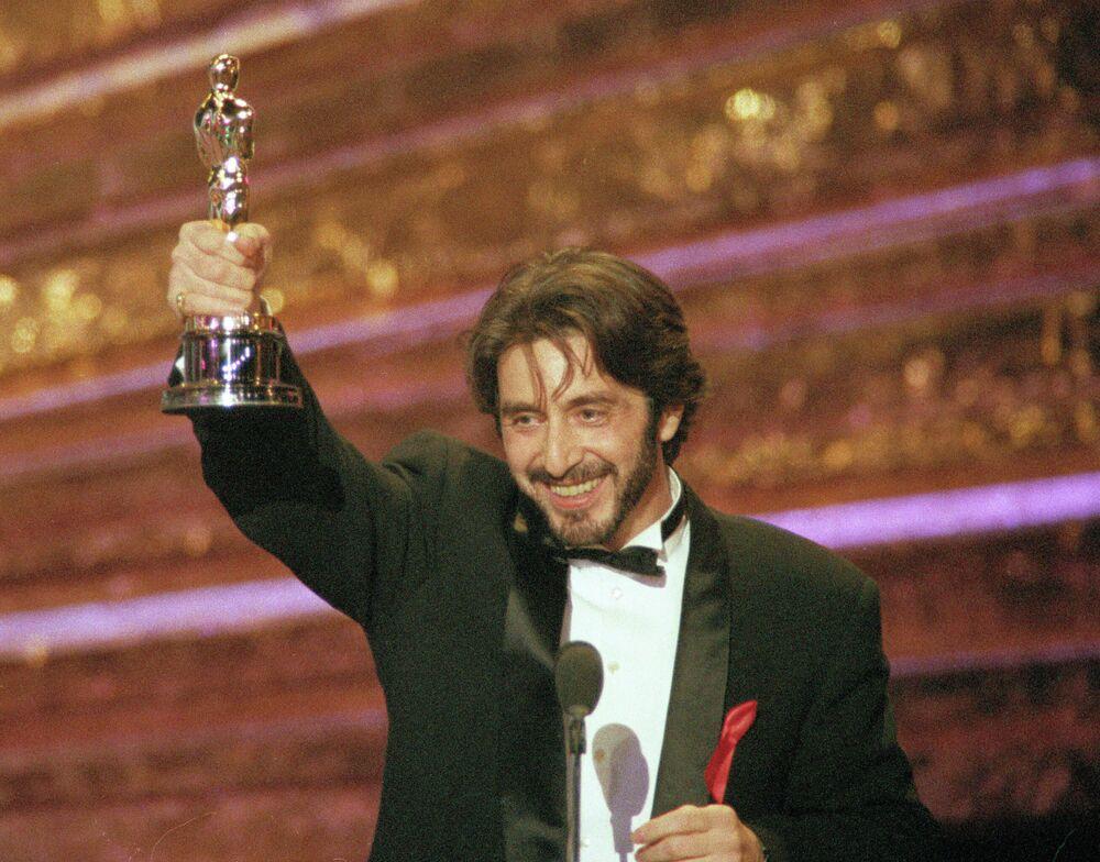 """Aktor Al Pacino zdobył Oscara jako najlepszy aktor, za rolę w filmie """"Zapach kobiety"""""""