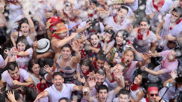 Tłum na festiwalu w Hiszpanii - Sputnik Polska