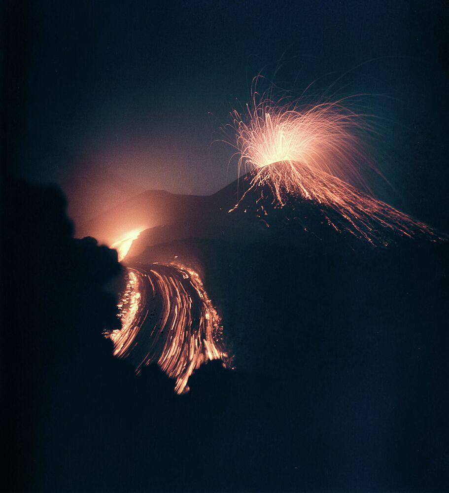 Erupcja wulkanu Kluczewska Sopka na Kamczatce