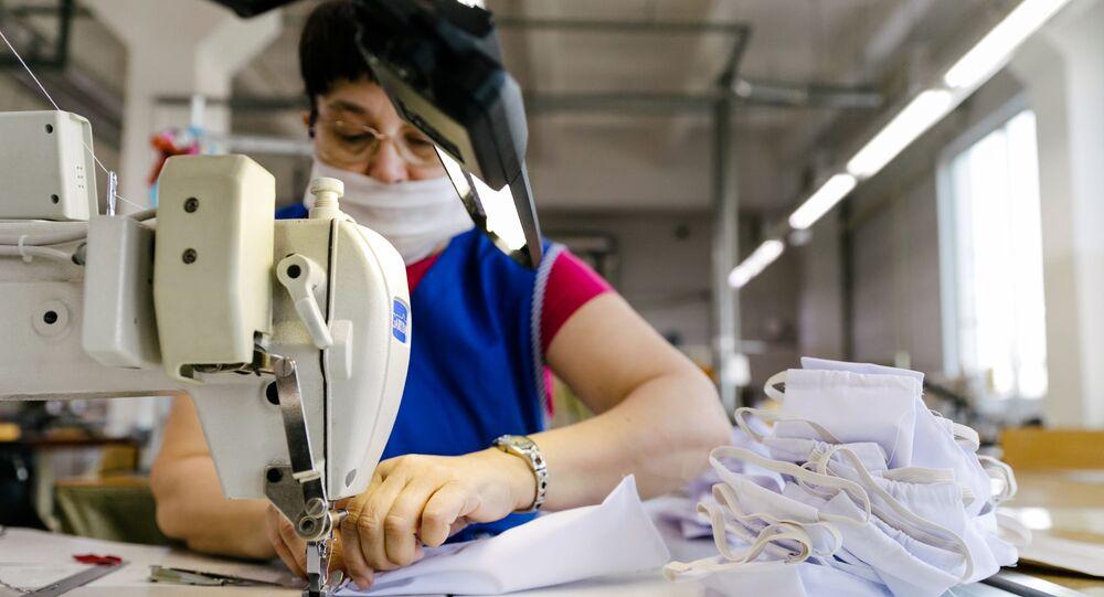 Produkcja masek ochronnych w Rosji