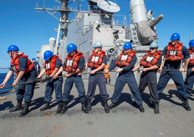 Załoga amerykańskiego niszczyciela USS Kidd