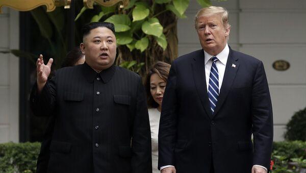 Spotkanie lidera KRLD Kim Dzong Una i prezydenta USA Donalda Trumpa. Zdjęcie archiwalne - Sputnik Polska