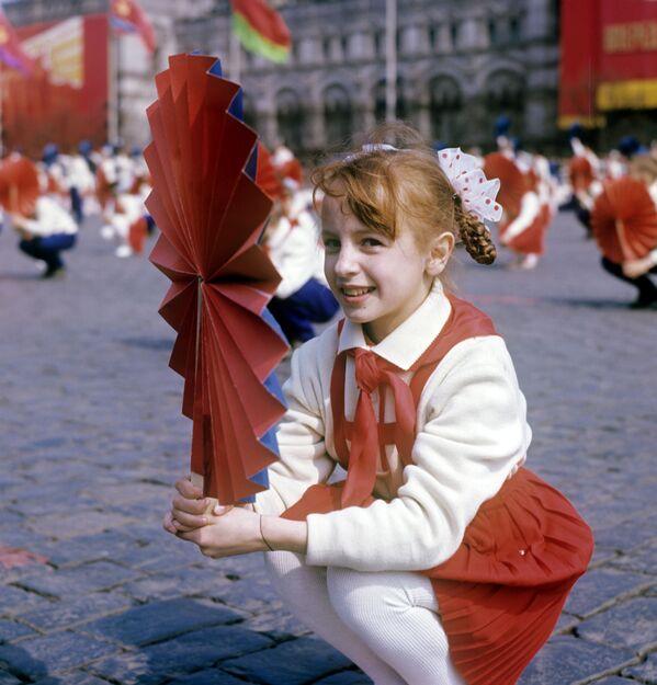 Parada sportowców na Placu Czerwonym 1 maja 1969 rok - Sputnik Polska