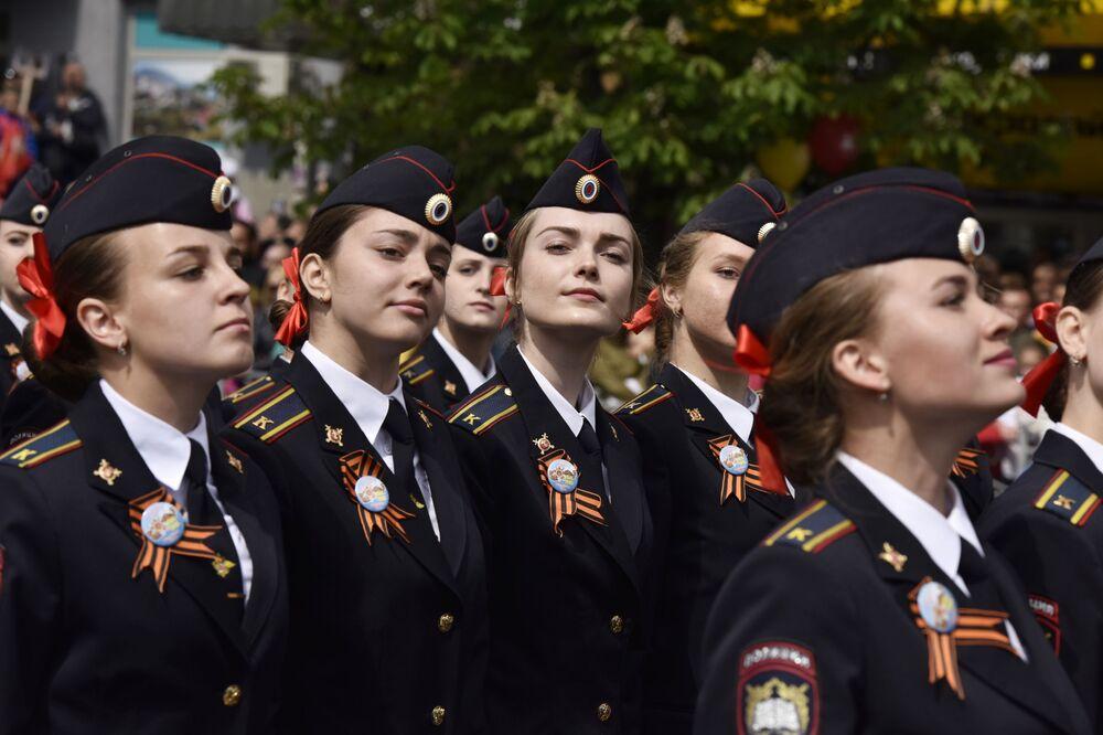 Kadetki na Paradzie Zwycięstwa w Symferopolu, 2017 rok