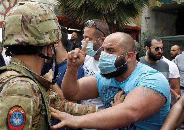 Starcia armii i demonstrantów w Bejrucie, w Libanie