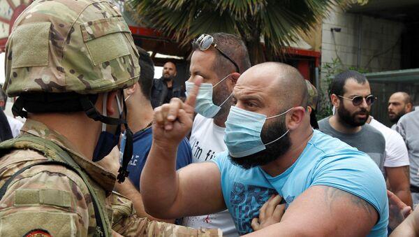 Starcia armii i demonstrantów w Bejrucie, w Libanie - Sputnik Polska