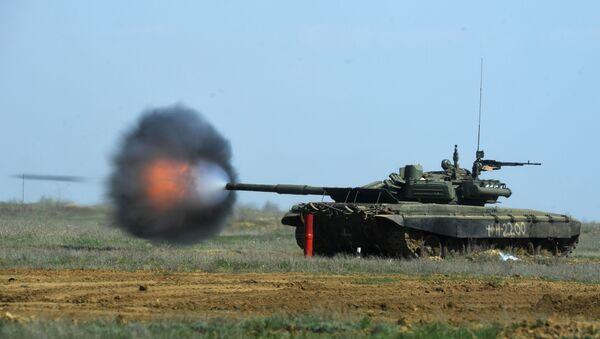 Czołg T-90 podczas ćwiczeń w rejonie Wołgogradu - Sputnik Polska