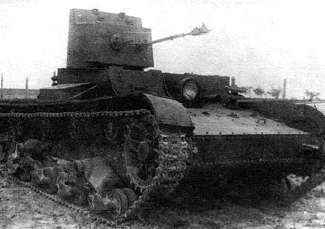 Czołg jednowieżowy z miotaczem ognia ChT-26 (BChM-3)