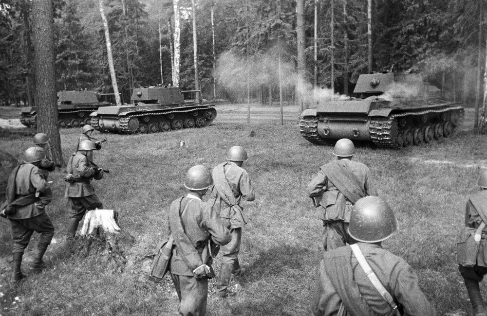 Radzieckie czołgi KW-1