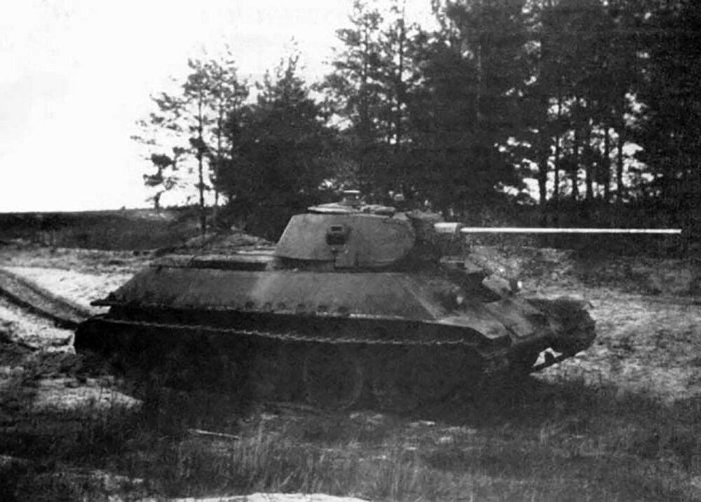 Radziecki czołg T-34-57