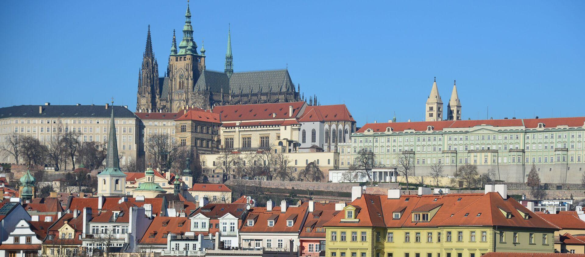 Widok na Pragę i Katedrę św. Wita od strony rzeki Wełtawy  - Sputnik Polska, 1920, 22.04.2021