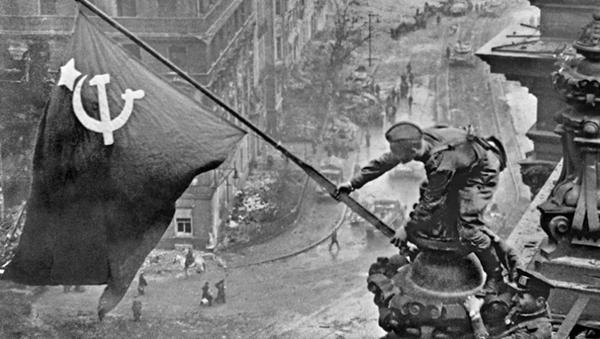Sztandar Zwycięstwa nad Reichstagiem - Sputnik Polska