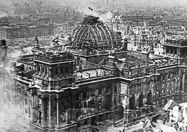 Budynek Reichstagu, 1 maja 1945 r.