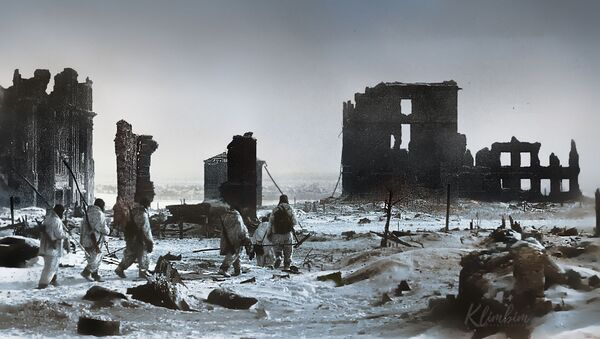 Centrum Stalingradu po wyzwoleniu od nazistowskich najeźdźców - Sputnik Polska
