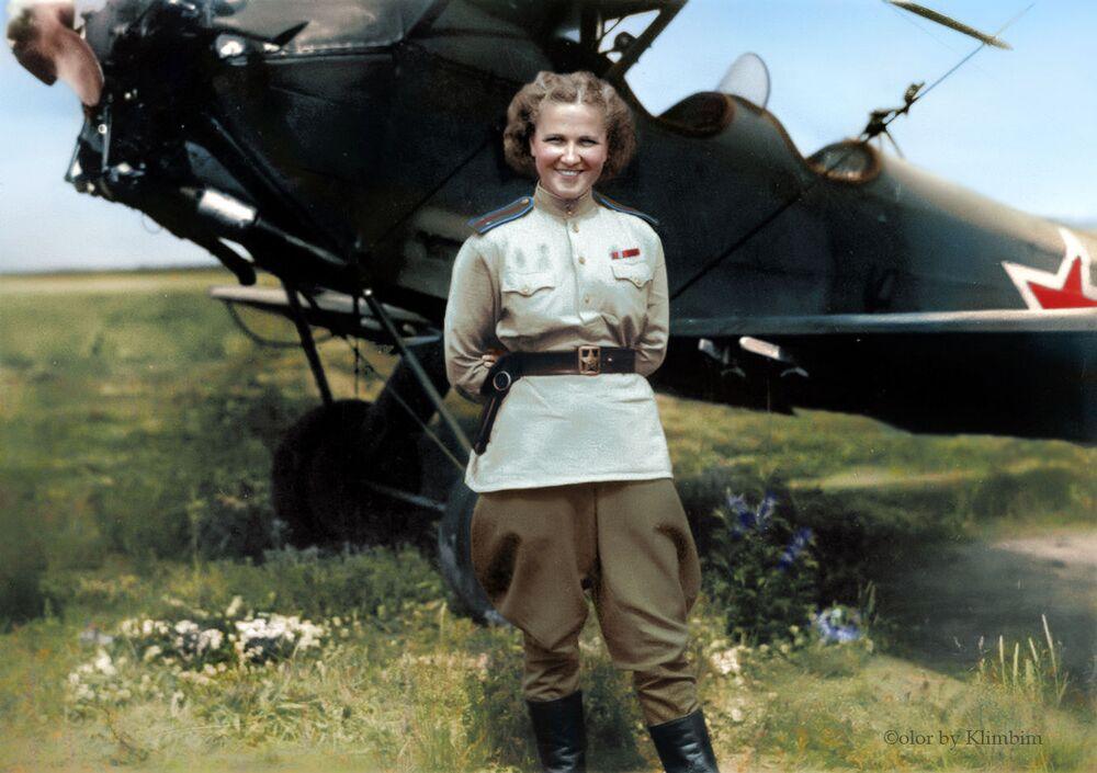 Pilotka radziecka Nadia Popova
