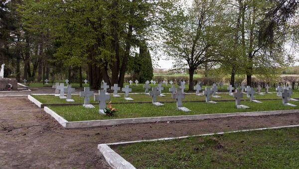 Cmentarz żołnierzy radzieckich k. Olsztynka - Sputnik Polska