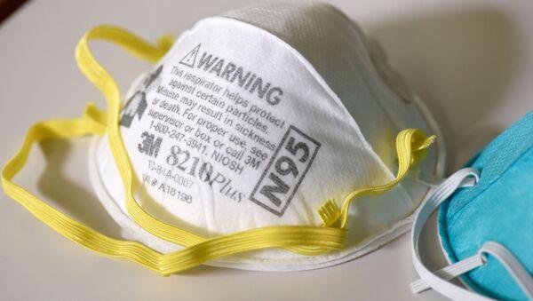 Maski ochronne N95 w laboratorium w USA - Sputnik Polska